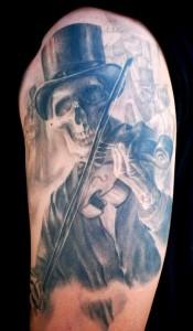 Carlos Torres skeleton tattoo picture