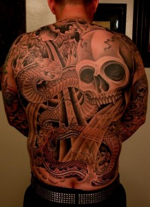 Tim Hendricks skull back tattoo picture
